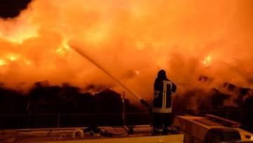 Adana'daki yangın iki gündür sürüyor…