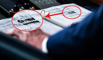 "Trump corona'nın üstünü çizip ""Chinese"" yazdı"