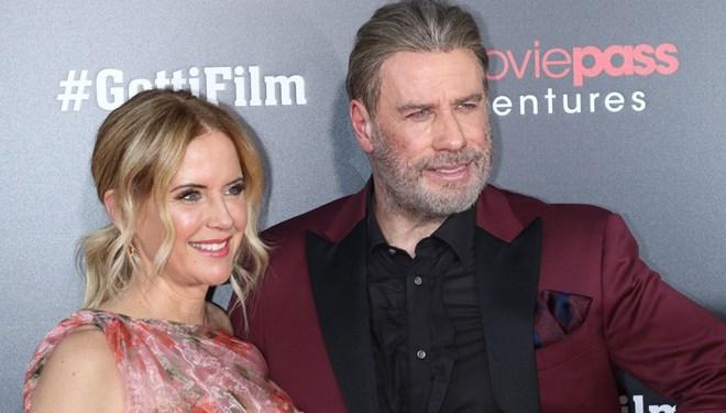 Travolta'nın eşi kansere yenildi