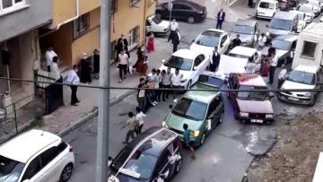 İstanbul'da 'pes' dedirten görüntüler! Yolu kapatıp halay çektiler
