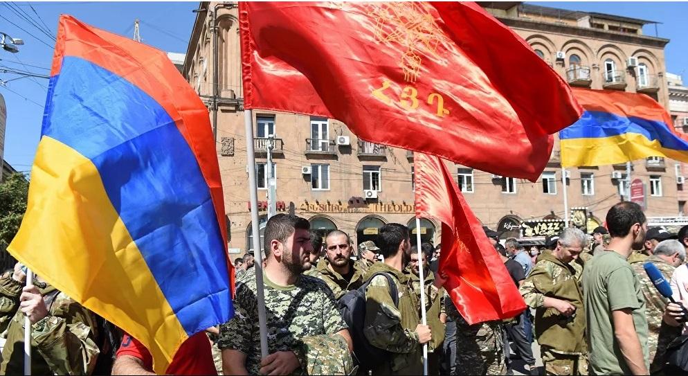 Ermenistan seferberlik ilan etti