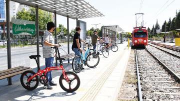 Konya'da bisiklet tramvayı raylarda