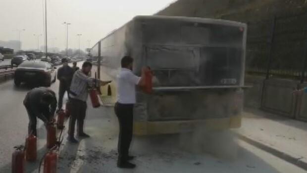 İstanbul'da otobüste yangın