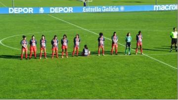 Kadın futbolcu Maradona'ya saygı duruşunu protesto etti