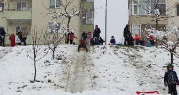 Kar kısıtlamayı unutturdu