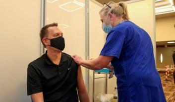 İngiltere'de oruç tutanlar için gece çalışan aşı merkezi