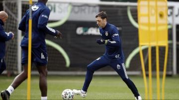 Mesut Özil'e özel krampon
