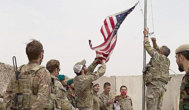 ABD bayrağı indirildi